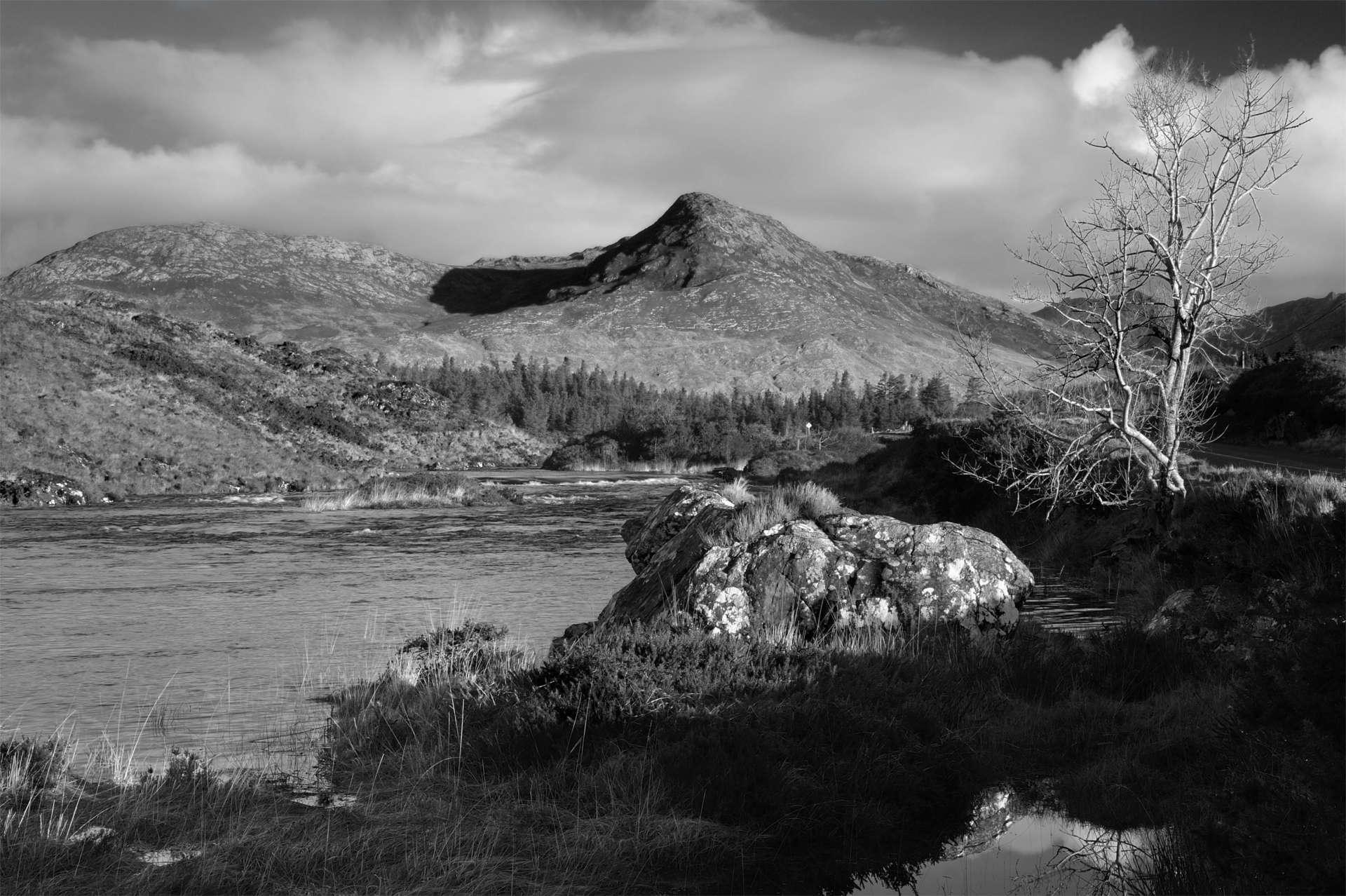 An Abhainn Mhór agus Binn Leitrí